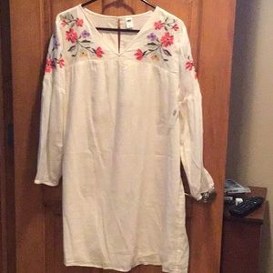 Brand new cream pullover with embroidery flowers